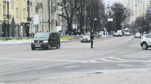 Poroshenko-kortez3-500x281