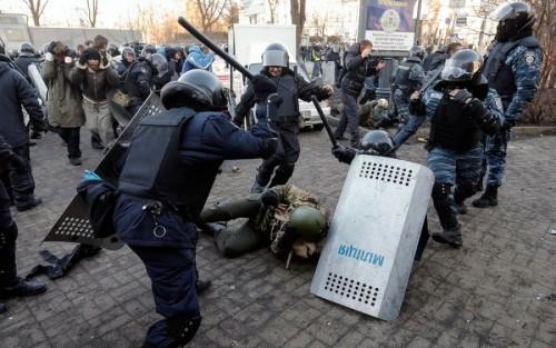 Berkut-in-Maidan1-500x313