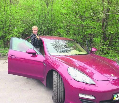 На спортивной машине из декларации Гонтаревой ездит родня