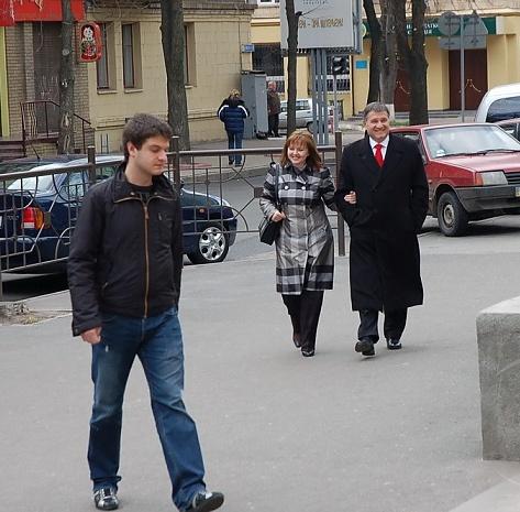 Арсен Аваков з дружиною та сином Олександром (на передньому плані)