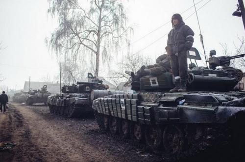 rus-tank-Uglegorsk02-2015-500x331