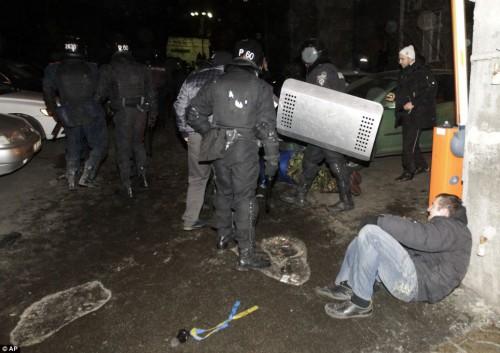 pobitya-Berkut-Euromaidan1-500x353
